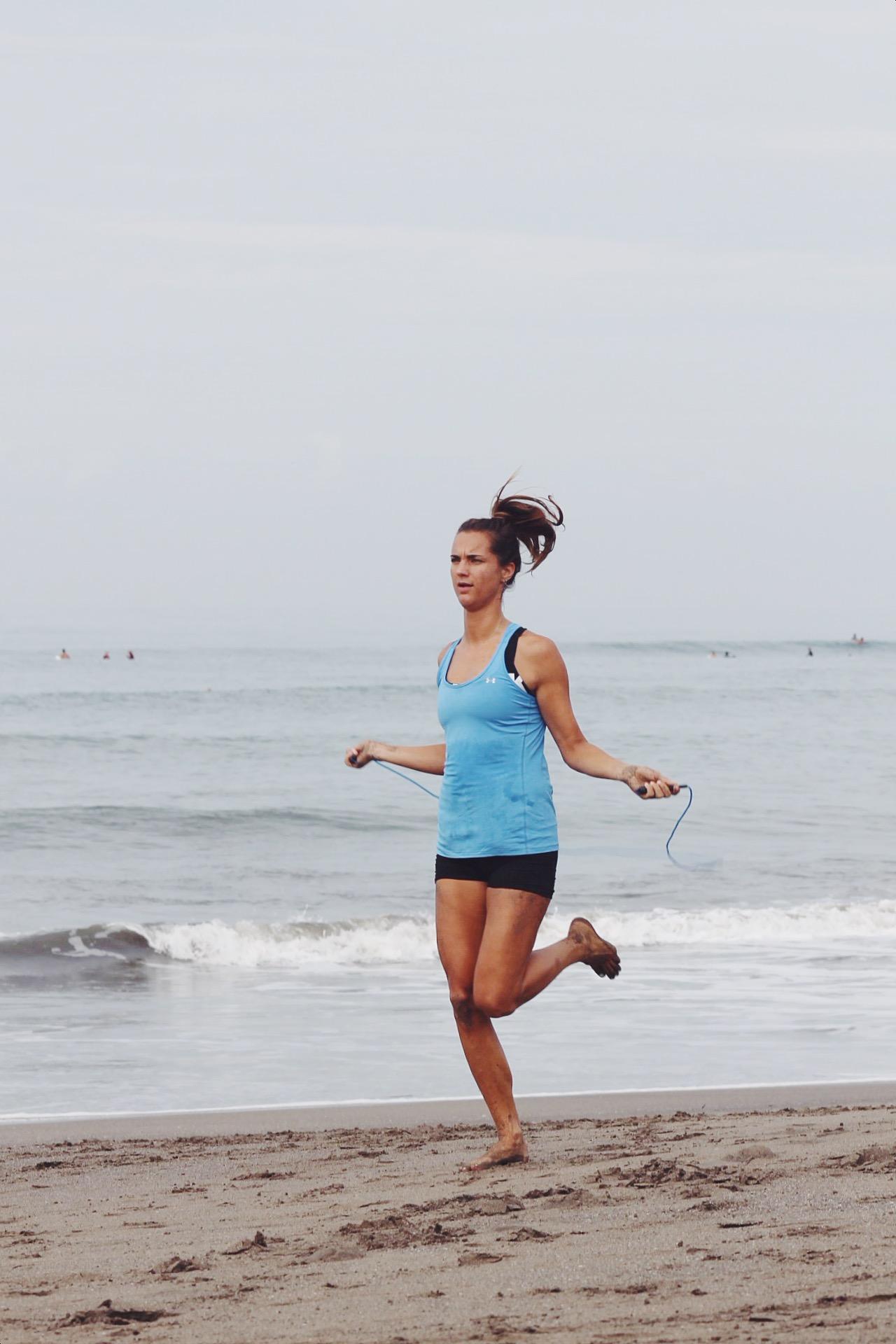 Bali Beach Bootcamp, Daisy, sporten in canggu