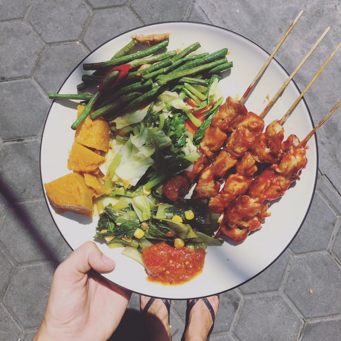 warung bumi, canggu, indonesisch, what i eat in a day