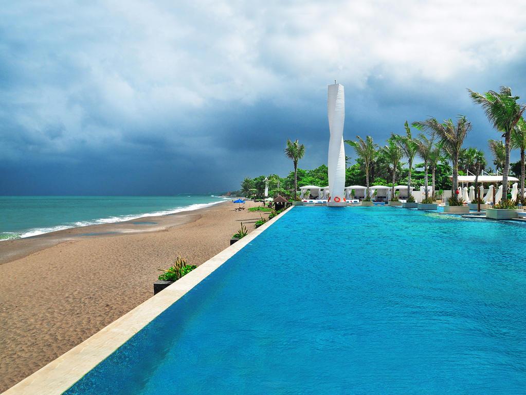 lv8 resort, Zwembaden op Bali