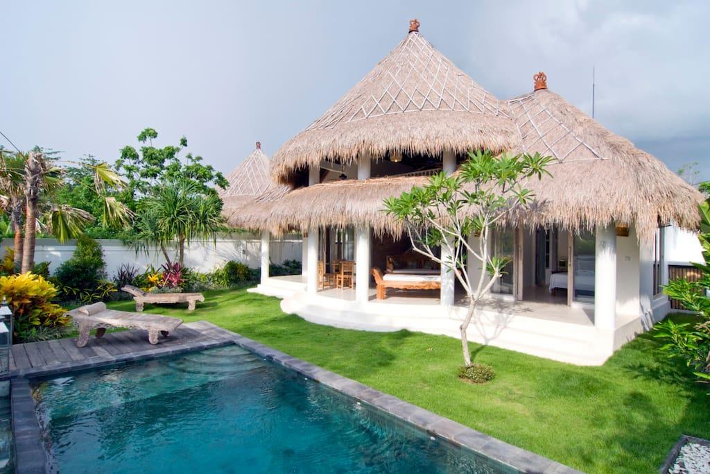 hotels in uluwatu, villa padang padang