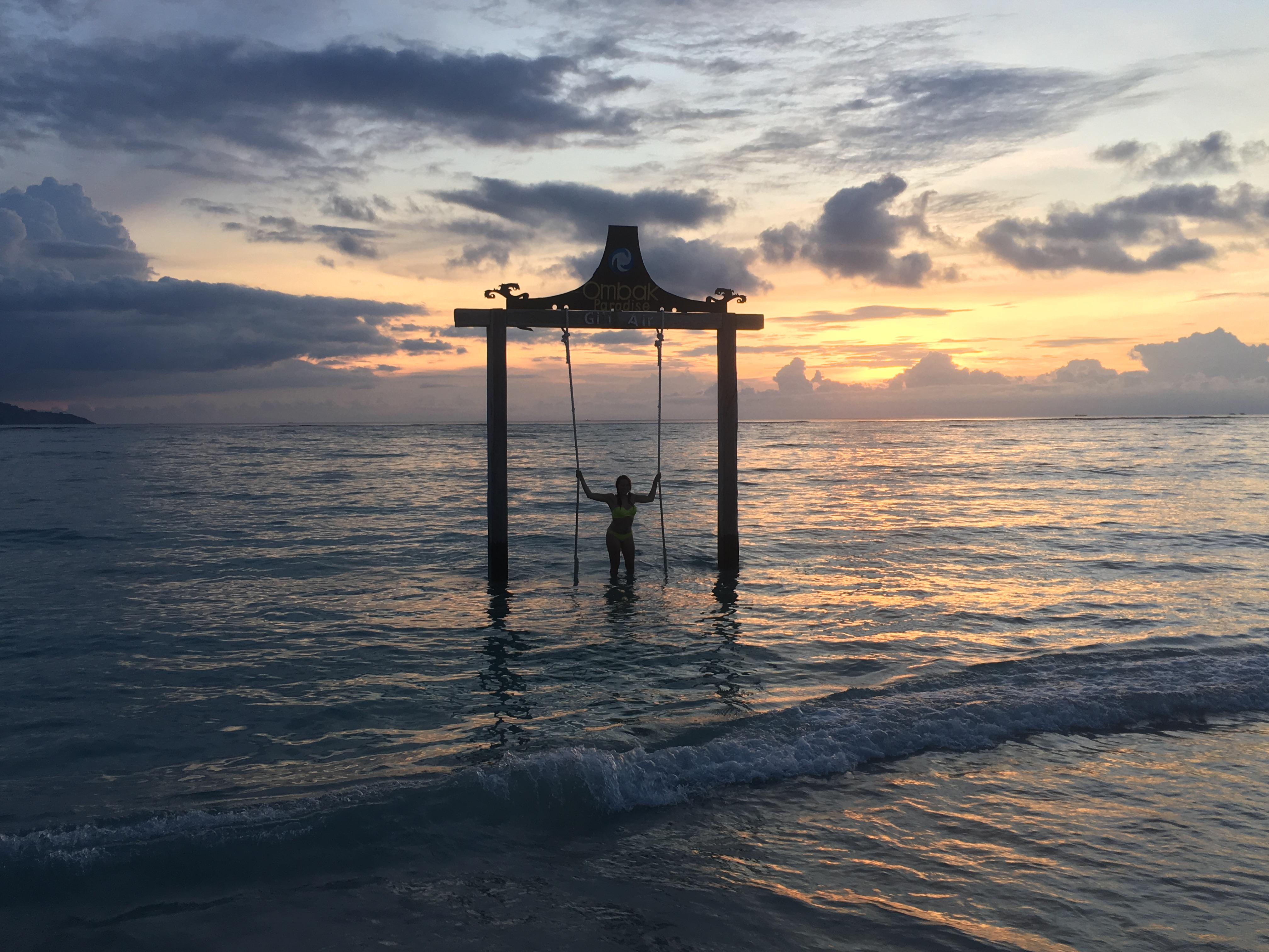Gili eilanden, schommel, sunset