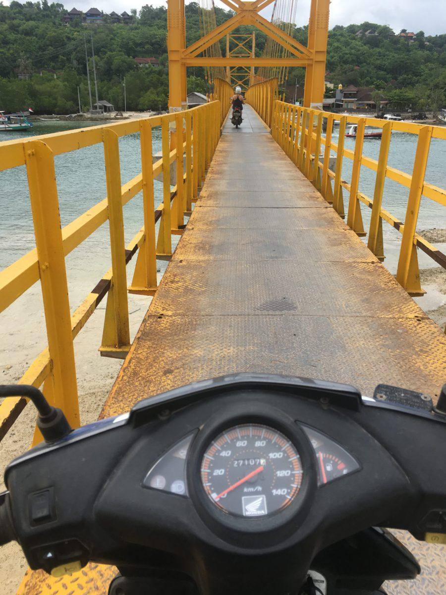 Yellow bridge, nusa lembongan bali