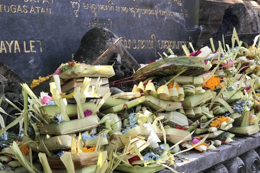 tirta empul tempel ubud bali, offers